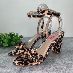 Betsey Johnson Leopard Iliana Black Heels 7